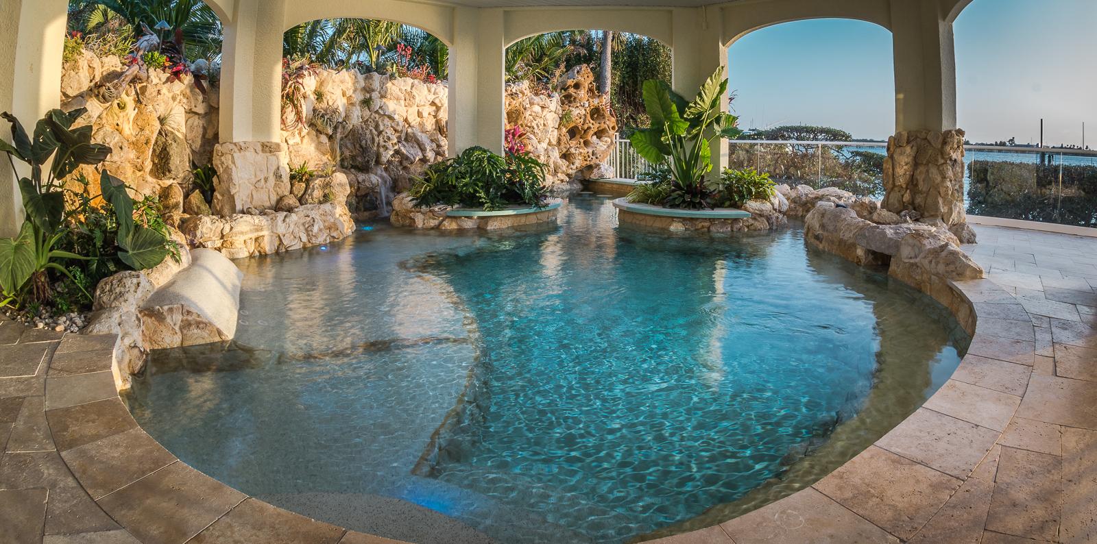 Insane pools tv episode living under the sea - Lucas lagoons ...